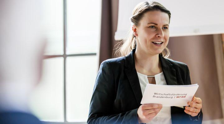 Janina Löbel