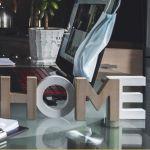 Videokonferenz, Home Office, Mobiles Arbeiten, Frau, Kopfhörer, Kaffee